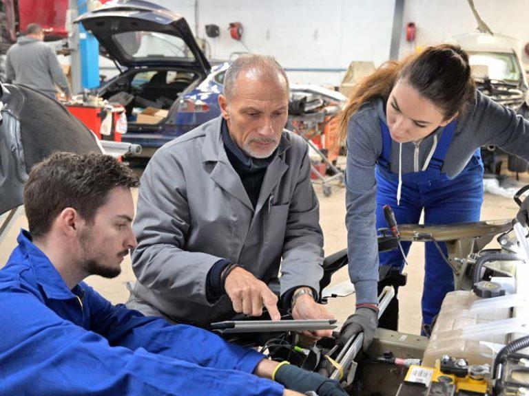Ausbildung KFZ-Mechaniker